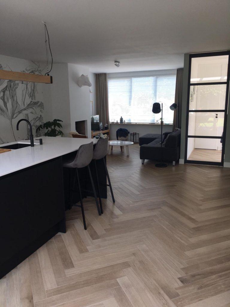 Thuis in Tegels in de woonkamer